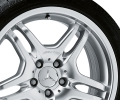 "AMG light-alloy wheel, 17"" Style IV, sterling silver paint finish"